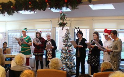 Throwback Thursday – visitors come carolling